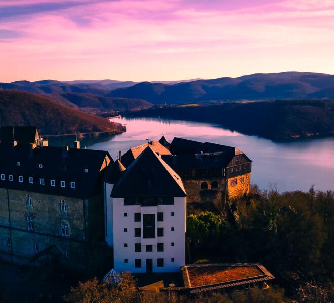 Die Welt von Oben -Drohnenfotografie - Schloss Waldeck Edersee Hessen